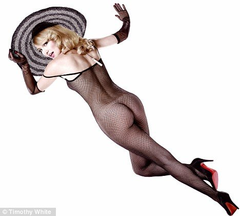 kate hudson in fish nets