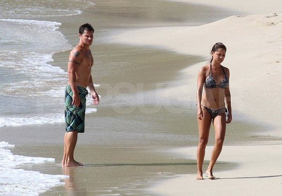 Nick Lachey and Vanessa Minnillo Honeymoon Pictures